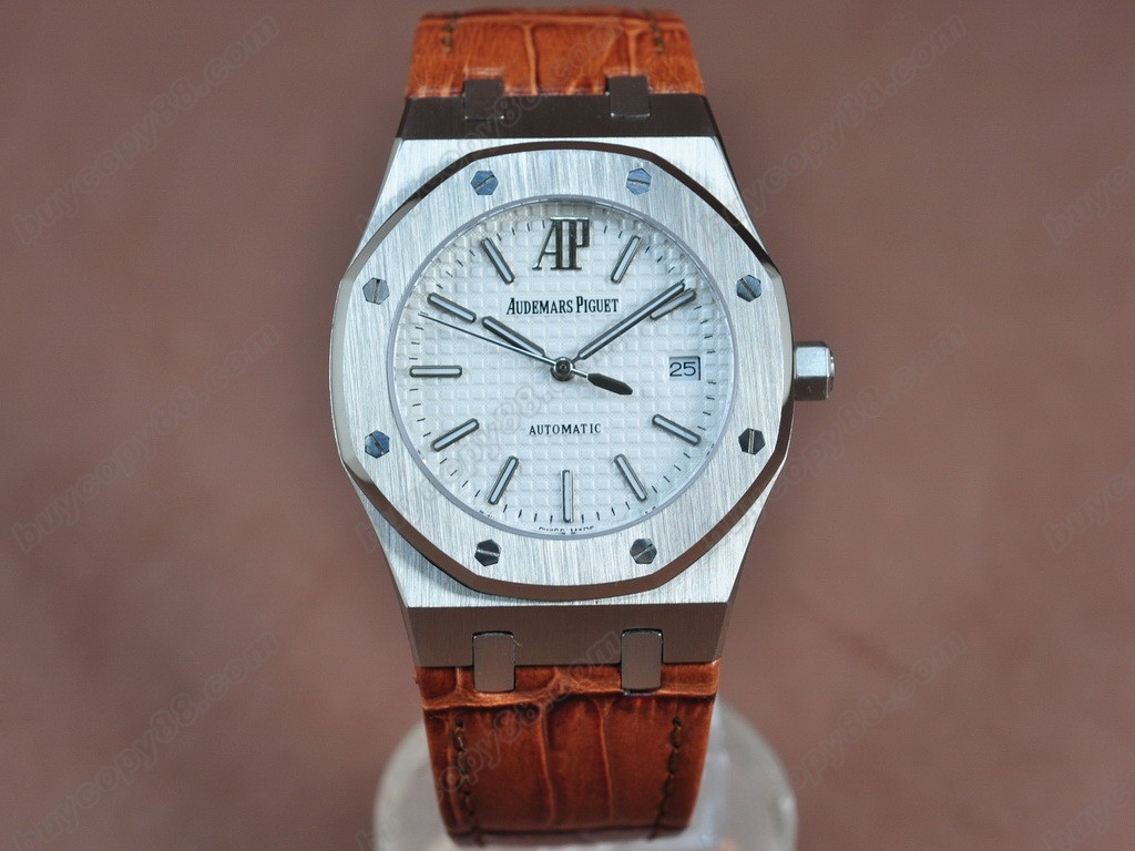愛彼錶【男性用】Royal Oak Jumbo 39mm SS/LE White Swiss Eta 2824-2自動機芯搭載