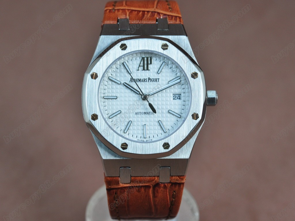 愛彼錶【男性用】 Royal Oak Jumbo 39mm SS/LE White Swiss Eta 2824-2自動機芯搭載