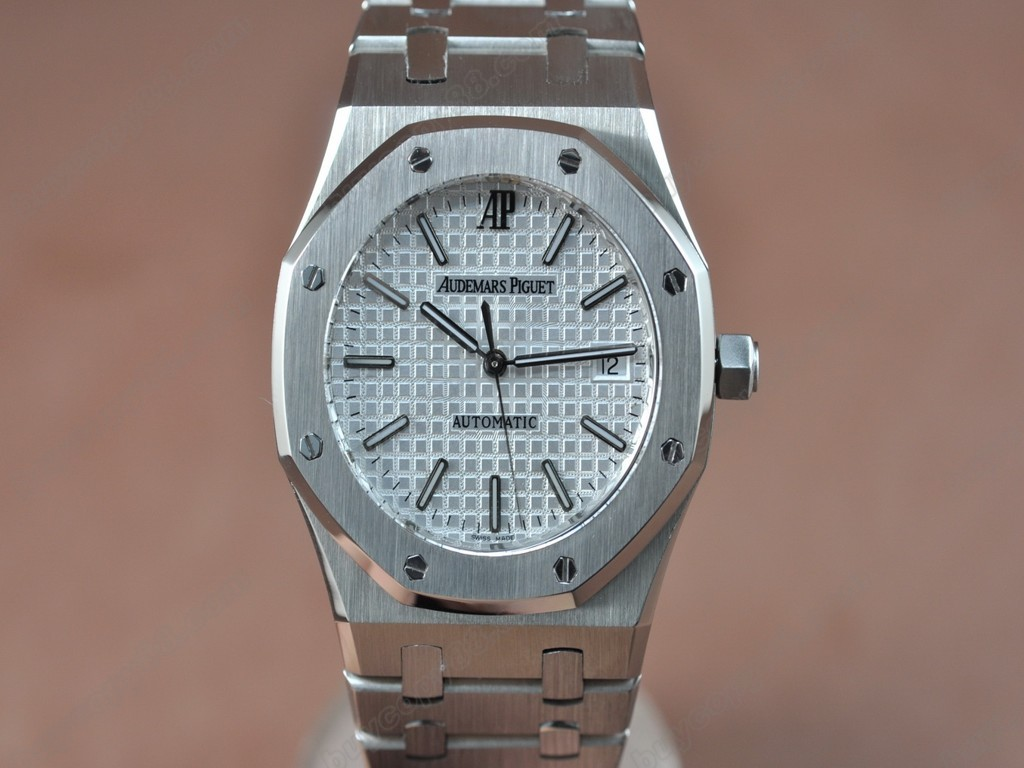 愛彼錶【男性用】Royal Oak Jumbo 39mm SS/SS White Swiss Eta 2824-2 自動機芯搭載