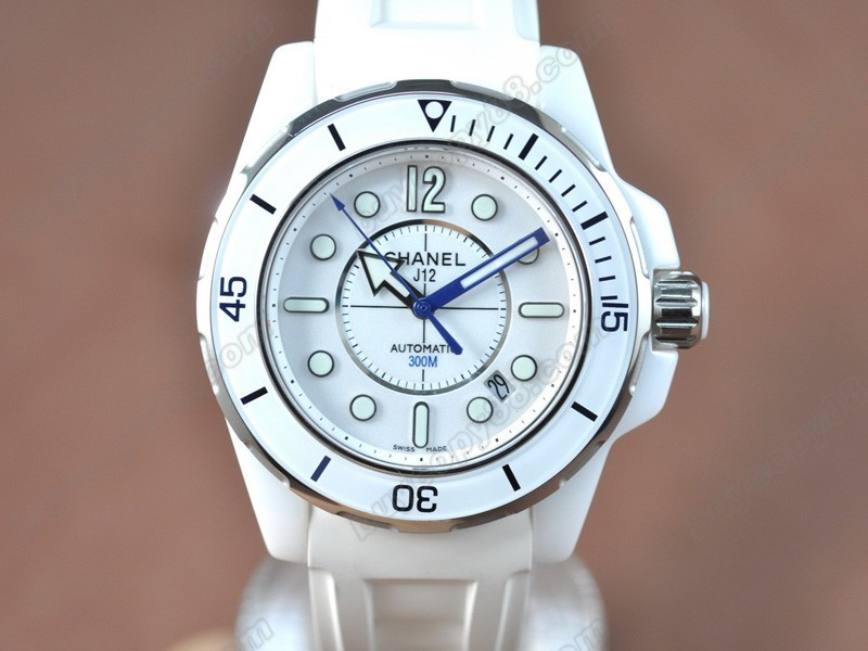 香奈兒【男性用】 J12 (Best version)White Ceramic RU/White Swiss Eta 2824-2 自動機芯搭載