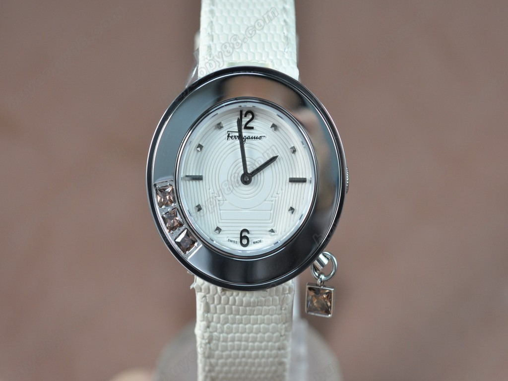 菲拉格慕【女性用】 Ladies SS/LE White MOP Dial Swiss 石英機芯搭載