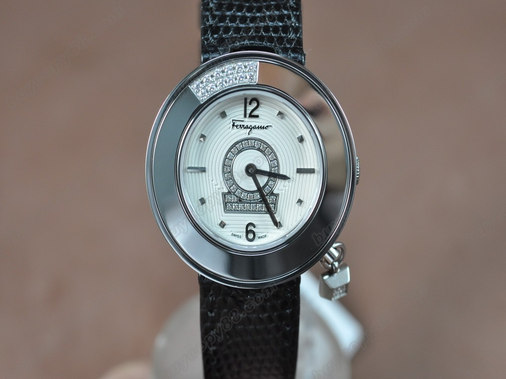 菲拉格慕【女性用】Ladies SS/LE White MOP Dial Swiss 石英機芯搭載