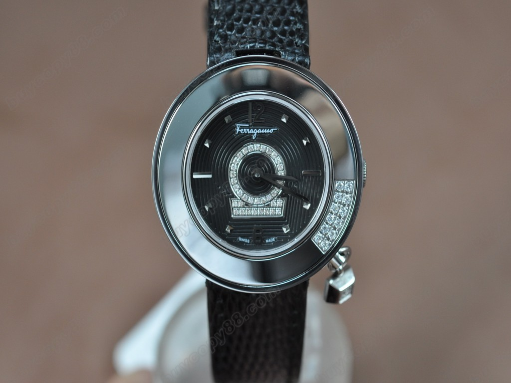 菲拉格慕【女性用】 Ladies SS/LE Black Dial Swiss 石英機芯搭載