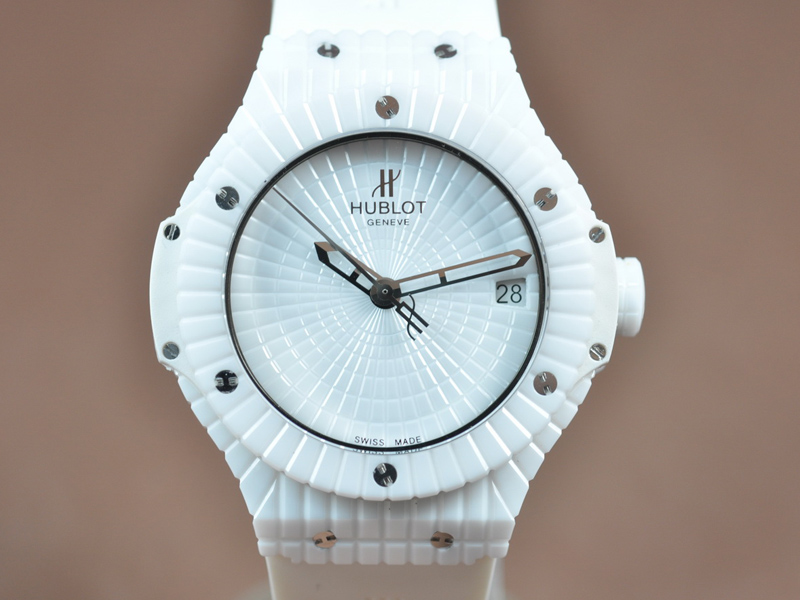 御博 Hublot Big Bang Full Ceramic White Asian 2824 自動機芯搭載