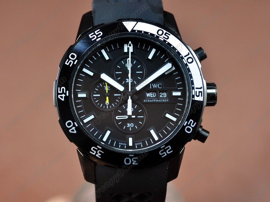 IWC【男性用】Aquatimer Pvd/Black Japan OS 20石英機芯搭載