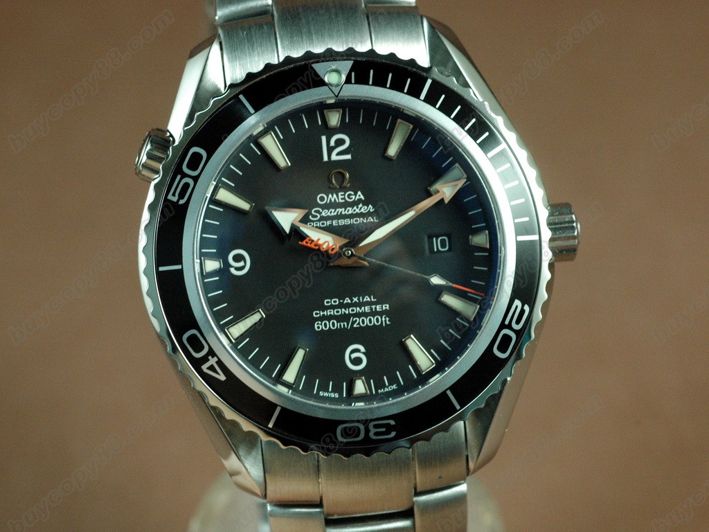 歐米茄【男性用】 Casino Royal 007 Planet Ocean Swiss Eta 2824-2自動機芯搭載