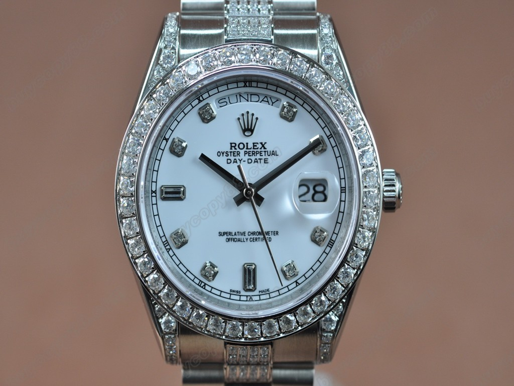 勞力士【男性用】DateDay 41mm SS/SS Diamonds White Dial A-2836-2 自動機芯搭載